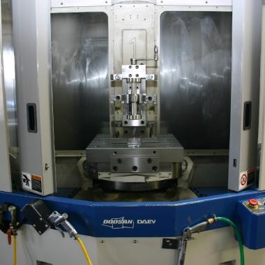 CNC frézovací centrum Hyundai SPT-V800T_3